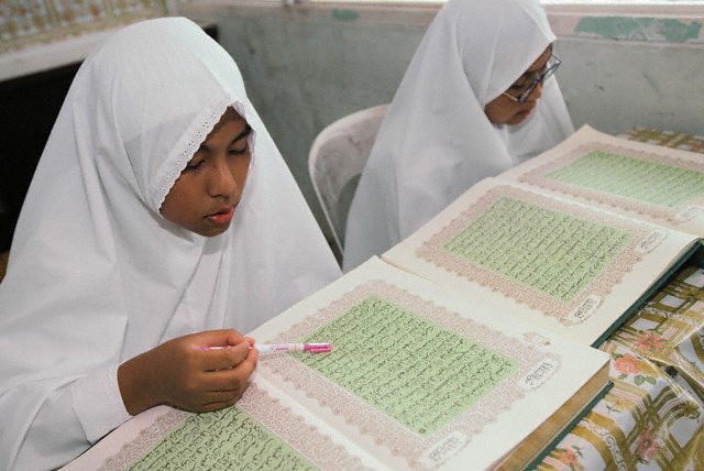 Etudiantes coraniques à Brunei