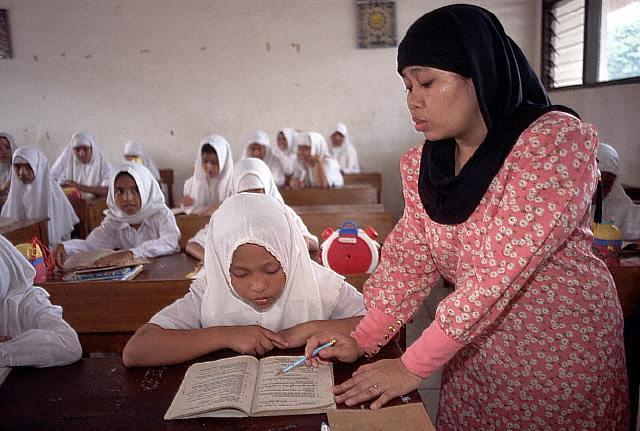 Etudiantes en Indonésie