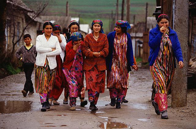 Jeunes filles de Tajikistan