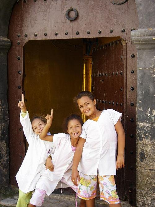 Tres muchachas de la medina